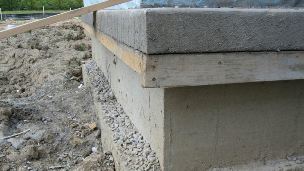 Cantilever concrete front porch ideas