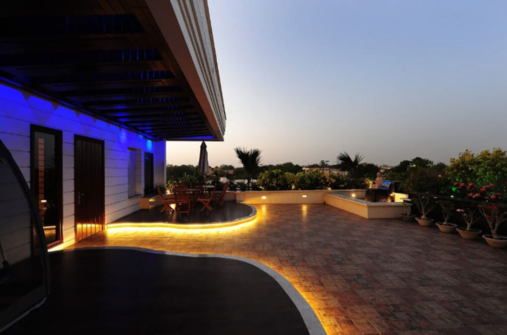 Concrete curbing led lighting