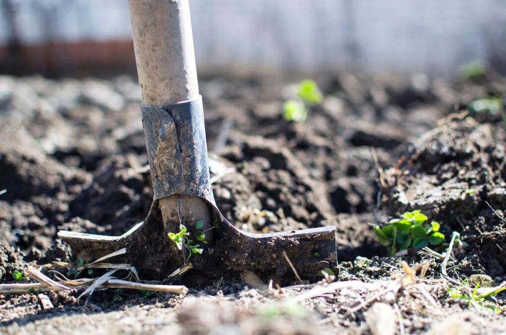 Diy dangers excavating with shovel