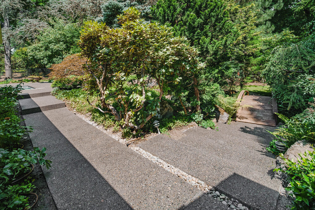 8 riverwood spaced exposed aggregatge walking path 2020 12 08 174042