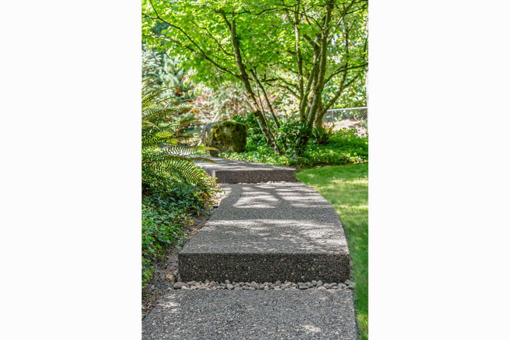 9 riverwood spaced exposed aggregate steps 2020 12 08 174023