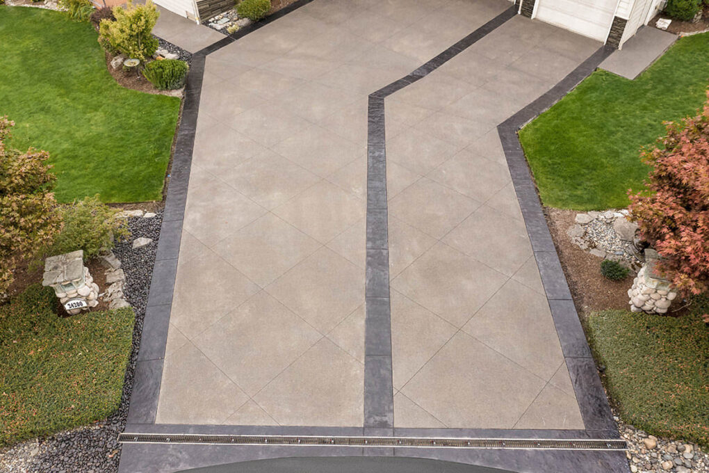 4 brush prarie decorative sawcut sand finish concrete driveway