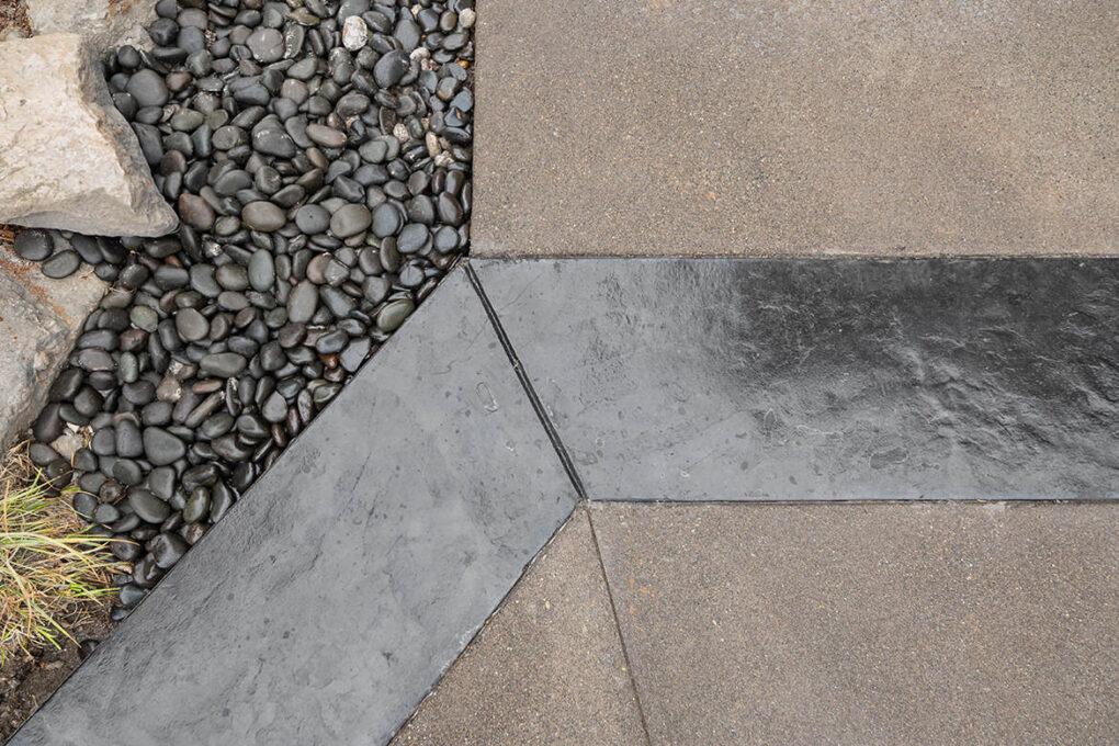 6 brush prarie driveway roman slate borders ash river rock