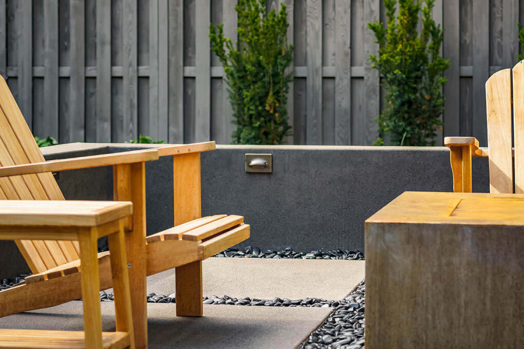 8 cedar hills concrete seat wall lighting